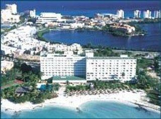 Dreams%20Sands%20Cancun%20Resort%20&%20Spa, slika 1
